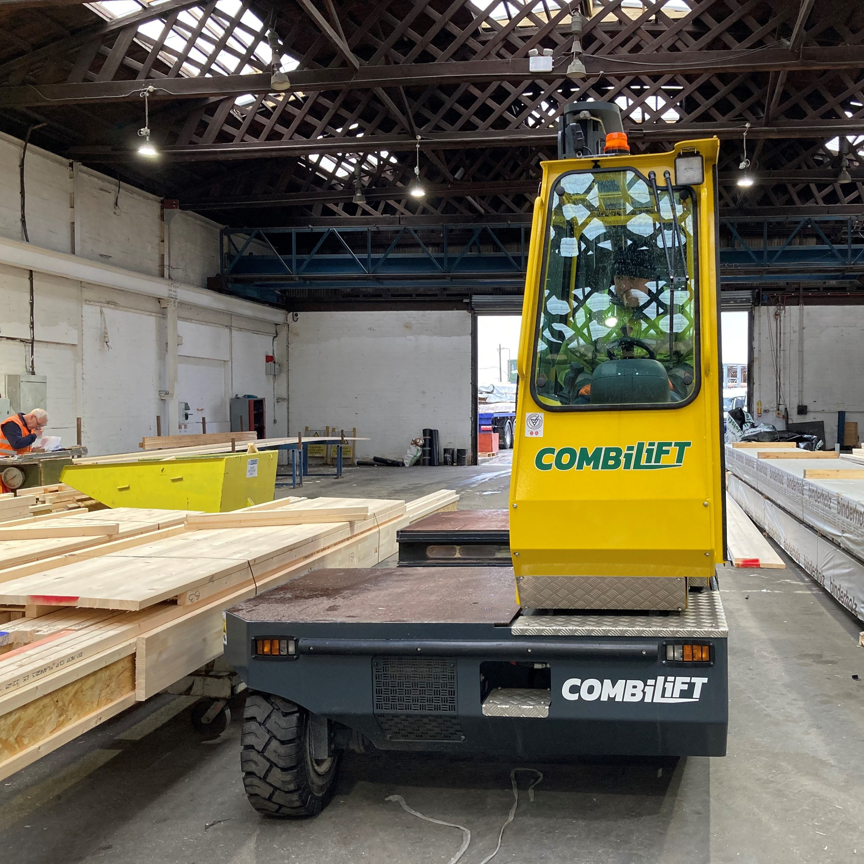 combilift for timber frame production